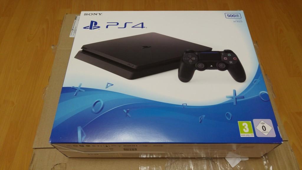 04 Sony Playstation 4 с computeruniverse.ru